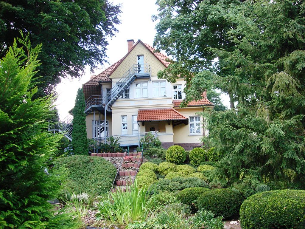 Haus 2 seniorenheime emmermann for Haus einrichtung