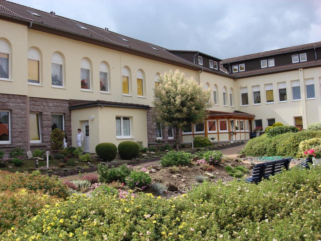 Haus 3 seniorenheime emmermann for Einrichtung haus